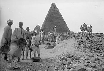 Mohammedani Ibrahim Ibrahim, Gebel Barkal: pyramid 3 | Harvard University – Boston Museum of Fine Arts Expedition, Photographs © Museum of Fine Arts Boston