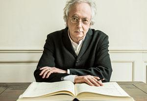 Dirigent Philippe Herreweghe in Grote Kerk Naarden