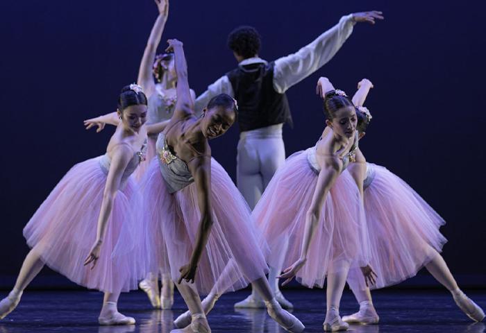 Valse Fantaisie - George Balanchine