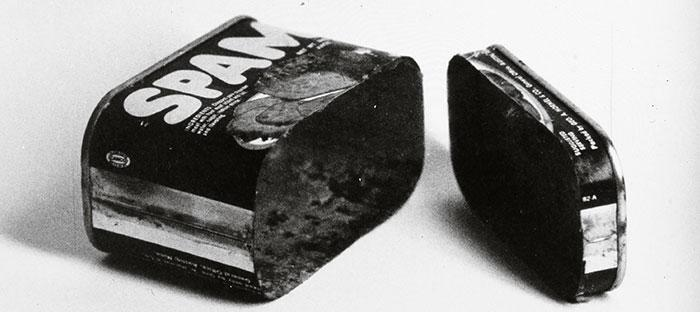 Spam (Cut in Two), 1961 © Ed Ruscha / Courtesy of the artist and Gagosian Gallery